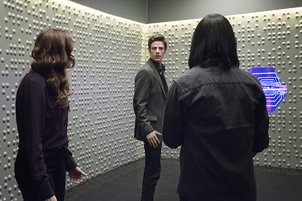 """The Flash -- """"The Trap"""" -- Image FLA120A_0313 -- Pictured (L-R): Danielle Panabaker as Caitlin Snow, Grant Gustin as Barry Allen and Carlos Valdes as Cisco Ramon -- Photo: Dean Buscher/The CW -- © 2015 The CW Network, LLC. All rights reserved"""